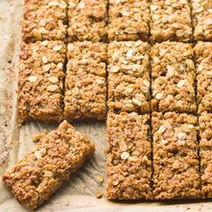 Banana muesli bars - Banana Granola Bars More You are in the right place about recipes videos Here we offer you the most - Barre Muesli, Tortas Light, Banana Granola, Banana Bars, Banana Bread, Muesli Bars, Cereal Bars, Granola Cereal, Cereal Cookies