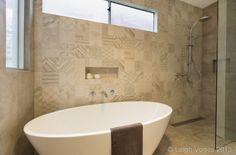 Azulej bianco Polvere By Urban Edge Ceramics Bathroom Interior Design, Bathtub, Projects, House, Urban, Ceramics, Google Search, Amazing, Houses