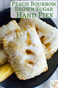 The BEST peach hand pie recipe is Peach Bourbon Brown Sugar Hand Pies. A flaky crust and bourbon glaze make this summer dessert a family favorite. Tart Recipes, Brunch Recipes, Sweet Recipes, Baking Recipes, Dessert Recipes, Summer Desserts, Just Desserts, Delicious Desserts, Food Processor Pie Crust