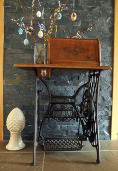 paradies und das: Liebe zu alten Sachen 9 - Nähmaschine Alter, Entryway Tables, Simple, Furniture, Home Decor, Paradise, Love, Decoration Home, Room Decor