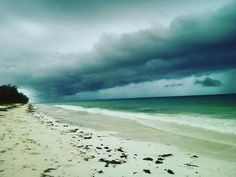 A storm is brewing nature at it's finest at Diani beach @slmugambi: http://upanidiani.com/