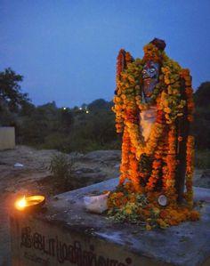 Full moon pilgrimage in Tiruvannamalai ~ India
