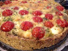 Met een bodem zonder bladerdeeg (voedselzandloper-proof:): Quiche van cherrytomaatjes en snijbonen met bosuitjes en munt