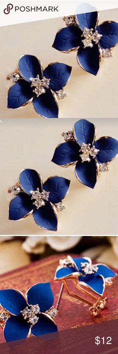 My Blue Flower Classy and elegant ! A ladies earring. This is a beautiful design and gorgeous earring! Jewelry Earrings