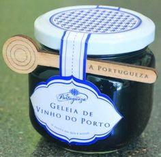 Honey Packaging, Bottle Packaging, Chutney, Honey Bottles, Honey Brand, Dessert Boxes, Small Desserts, Food Packaging Design, Jar Labels