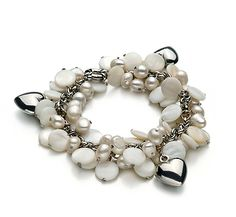 Ria - Perlen mit Herz-Glücksbringern Armband - Weiß A 6-7mm Süßwasser