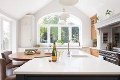 Edwardian Family Home, Barnes Village - Humphrey Munson Big Kitchen, Shaker Kitchen, Family Kitchen, Open Plan Kitchen, Kitchen Ideas, Kitchen Inspiration, Kitchen Island, Kitchen Cabinets, Design Inspiration