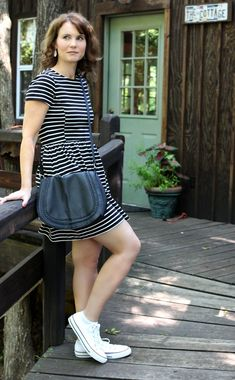 Outfit - black and white striped dress + converse + black crossover hand Cheap Converse Shoes, White Converse Outfits, Dress With Converse, Casual Outfits, Fashion Outfits, Converse High, Men's Shoes, Fashion Trends, White Chuck Taylors