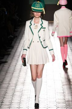 See the complete Olympia Le-Tan Spring 2015 Ready-to-Wear collection.