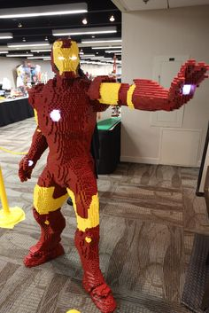 Iron Man LEGO Build Is An Epic Life-Size Brick Marvel My grandson would love this, he is in to LEGO and Ironman, Lego Ironman, Lego Marvel, Marvel Avengers, Marvel Cake, Iron Men, Lego Hacks, Modele Lego, Construction Lego, Construction Worker