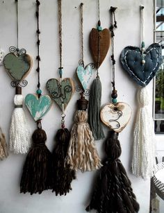 Heart welcome favor Tassel Jewelry, Fabric Jewelry, Clay Jewelry, Jewellery, Crafts To Do, Yarn Crafts, Arts And Crafts, Craft Projects, Sewing Projects