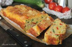 Torta soffice con zucchine, peperoni e prosciutto