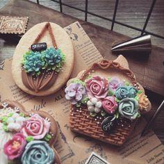 #icing #icingcookies #cookies #cookieart #peppapigcookies #decoratedcookies #flower #customcookies #cookieclass #royalicing