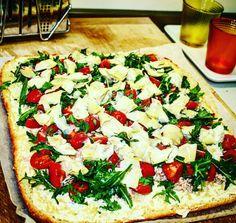 #pizza ai #formaggi #carciofi #pomodorini e #rucola ...... #winestory #wineguide #winebas #viniwinebas #BASommelier #BASwineguide #sommelier #enjoiyourselfie #VincenzoBasile