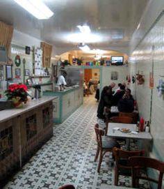 http://www.hollyeats.com/images/South/Casamentos-DiningRoom.jpg
