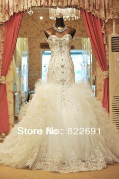Elegant Sweetheart Sparky Crystal and Beaded Bodice Fancy Tull and Lace Edge Bottom Mermaid Wedding Dress Wedding Gown