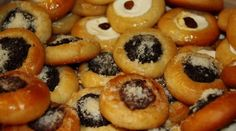 Doughnut, Sushi, Praha, Ethnic Recipes, Sweet, Desserts, Food, Baking, Kitchen