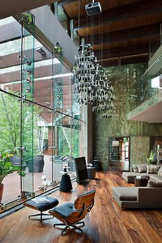 absolutely amazinggg living space.