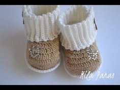 - Crochet Clothing and Accessories Crochet Baby Boots, Knit Baby Booties, Crochet Baby Clothes, Crochet Sole, Crochet Slippers, Baby Bootees, Crochet Videos, Crochet For Kids, Baby Knitting