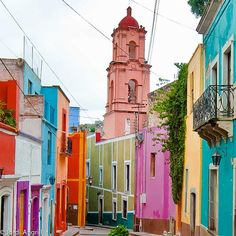 this street in Guanajuato, Mexico reminds me of the entire current J.Crew color palette! pic by Jordi AC, via Flickr