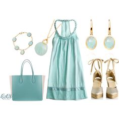 Precious and soft are what I think when I see this baby blue dress and bag. Feminity is not lost chick-a-dees; wear this and just daydream all day:) Daydreaming is a hobby ya know:)