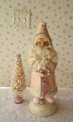 Shabby Santa - pale pink with Rhinestones and Roses...use the heads i have upstairs in the attic.....great idea since i almost got rid of them.....shame on me