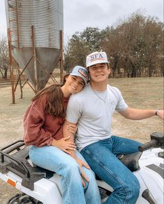 Country Couple Pictures, Cute Country Couples, Cute Couples Photos, Cute N Country, Cute Couple Pictures, Cute Couples Goals, Couple Pics, Country Boys, Dream Boyfriend