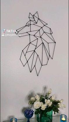 Follow this tutorial to create this beautiful, minimalist, scandinavian wall art to decorate your home. #art #wallart #minimalist #wolf #portrait #animal #homedecor #livingroom #design #decoration #artsandcrafts #diy #tutorial Geometric Shapes Art, Geometric Wolf, Geometric Drawing, Diy Crafts For Home Decor, Diy Crafts Hacks, Craft Stick Crafts, Diy Canvas Art, Diy Wall Art, Diy Art