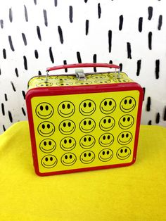 90s Smiley Face Tin Lunchbox Purse / Clueless by badatpettingcats