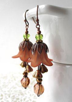 romantic, vintage style flower earrings in beautiful, rich Autumn shades of muted pumpkin spice, rust and copper. Lucite Flower Earrings, Flower Jewelry, Beaded Earrings, Beaded Jewelry, Artisan Jewelry, Handcrafted Jewelry, Fall Jewelry, Jewelry Ideas, Bazaar Ideas