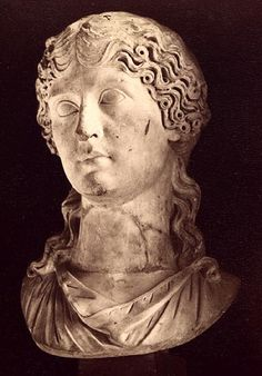 Agrippina the Elder, the wife of Germanicus. Marble. 1st century. Rome, Capitoline Museums, Palazzo Nuovo, Hall of the Emperors