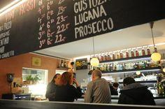 Bucci-Bar Hier übertönen die Gäste das Radio