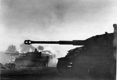 Bundesarchiv_Bild_183-J14813,_Bei_Orel,_Panzer_VI_(Tiger_I).jpg (800×544)