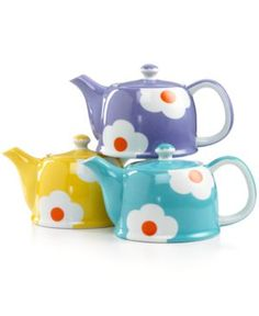 How cute are these floral teapots?! // Torani Loves This