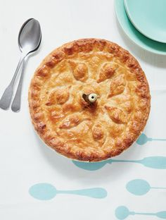 This vegetable pie recipe from Mary Berry Everyday is packing a punch of flavour with earthy potato, leeks and creamy mature Cheddar cheese. It makes a stunning main course, Cheese Pies, Cheddar Cheese, Mary Berry Everyday, Vegetable Pie, Vegetable Recipes, Vegetarian Recipes, Veggie Meals, Thing 1, Pie Recipes