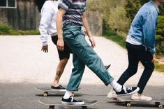 Work Pants Beyond the Dickies 874 - Skater 🛹 Look Fashion, Street Fashion, Mens Fashion, Skate Fashion, Skateboard Fashion, Skater Boys, All Jeans, Skate Style, Mode Inspiration