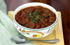 PALEO DIET NO BEAN CHILI is a traditional Texas recipe that I learned how to make during my 20 years in the Hill Country from the true chili masters, the Texans.  This chili recipe is perfect for a paleo or primal diet.