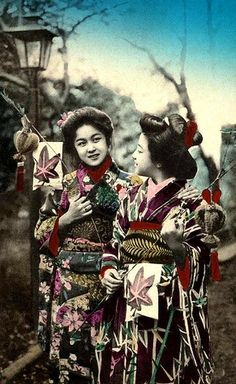 TWO GEISHA PASSING A LAMP POST IN THE PARK -- Happy Smiles and Festive Kimono by Okinawa Soba, via Flickr. Another nice day in the park in old Meiji-era Japan.