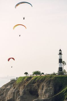 For the thrill-seekers: paragliding off the coast of #Peru. #travel #SouthAmerica (via @Entouriste)