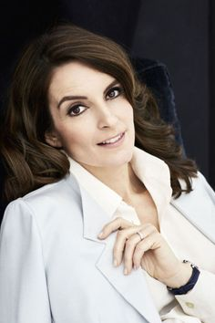 Tina Fey wears a wavy hairstyle for Town & Country Magazine April 2016 issue Tina Fey, Thomas Pink Shirts, Town And Country Magazine, Issa Rae, Business Chic, Amy Poehler, Contemporary Photographers, Wedding Art, Famous Faces