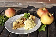 """Tři méně známé koláče z jablek - """"neviditelný"""" (Gateau invisible aux pommes), švédský  (Äppelkaka) a francouzský (Tarte aux pommes) Potato Salad, Potatoes, Apple, Fruit, Ethnic Recipes, Food, Apple Fruit, Potato, Essen"""
