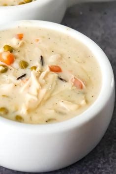 Creamy Turkey Soup with Rice is a perfect fall comfort food recipe. This hearty soup is a great way to use up your leftover Thanksgiving turkey. Creamy Turkey Soup, Turkey Wild Rice Soup, Recipes For Soups And Stews, Creamy Soup Recipes, Easy Hamburger Soup, Potato Bacon Soup, Leftover Turkey Recipes, Thanksgiving Recipes, Thanksgiving Turkey