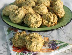 Biscotti con fiocchi d'avena sono molto facili da fare e da mangiare! I biscotti ai cereali sono sempre ben accetti per una sana e buona colazione.