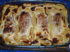 Hungarian Recipes, Hungarian Food, Lasagna, Pork, Food And Drink, Meat, Ethnic Recipes, Kale Stir Fry, Hungarian Cuisine