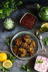 ...konyhán innen - kerten túl...: Cukkinipakora paradicsom chutney-val Chutney, Falafel, Tandoori Chicken, Curry, Beef, Ethnic Recipes, Food, Turmeric, Meat