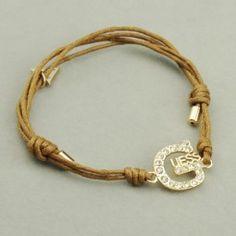 Bracelet Femme en logo GUESS - Fantaisie BGF201 Prix spécial : 19,00 € http://www.fr-guess-enligne.org/bijoux-guess/bracelet-femme-en-logo-guess-fantaisie-bgf201.html