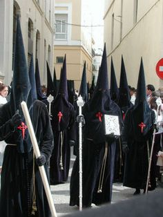 Nazarenos in Seville  Bizarre Spanish hoods for religious ceremony