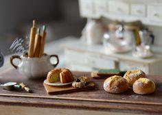 Miniature bread  by 2smartminiatures www.2smartminiatures.com