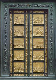 Lorenzo Ghiberti (1378-1455), conocidas como las puertas del Paraíso, según una expresión atribuida a  Miguel Ángel. Tienen un sentido pintoresco y un lirismo naturalista de proporciones alargadas y el escultor retoma la técnica del Schiacciatto, que es un modelado achatado de gran profundidad en las sombras por los acentuados escorzos.
