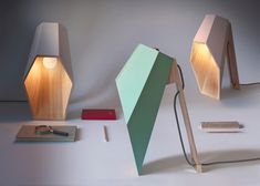 Mesa Hexagonal, Wooden Tables, Table Lamp Wood, Wooden Lamp, Desk Lamp, Design Page, Design Design, House Design, Yanko Design